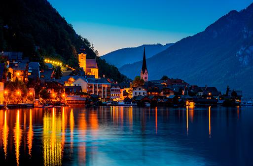 Dachstein Mountains「Hallstatt by night」:スマホ壁紙(14)