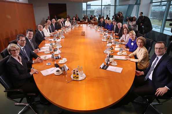 Transport Minister「First Cabinet Meeting Of Merkel IV Government」:写真・画像(5)[壁紙.com]