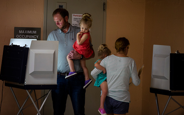 Tallahassee「Voters Across The Country Head To The Polls For The Midterm Elections」:写真・画像(18)[壁紙.com]