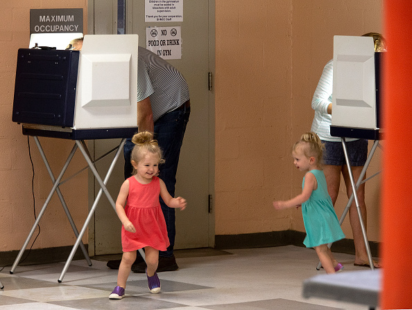 Tallahassee「Voters Across The Country Head To The Polls For The Midterm Elections」:写真・画像(15)[壁紙.com]
