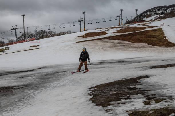 Japan's Lack Of Snow Hits Ski Season:ニュース(壁紙.com)