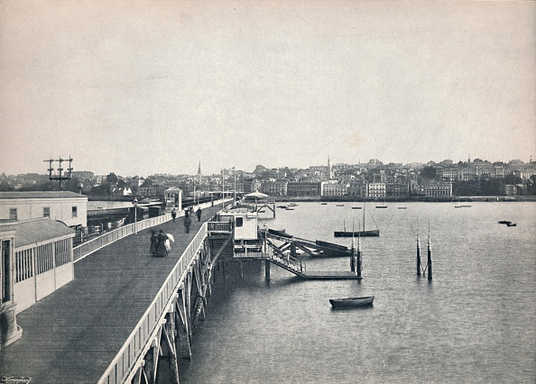 Copy Space「Ryde - View From The Pier」:写真・画像(1)[壁紙.com]