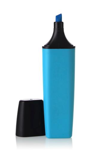 Highlighter「A blue highlighter pen against white background」:スマホ壁紙(15)