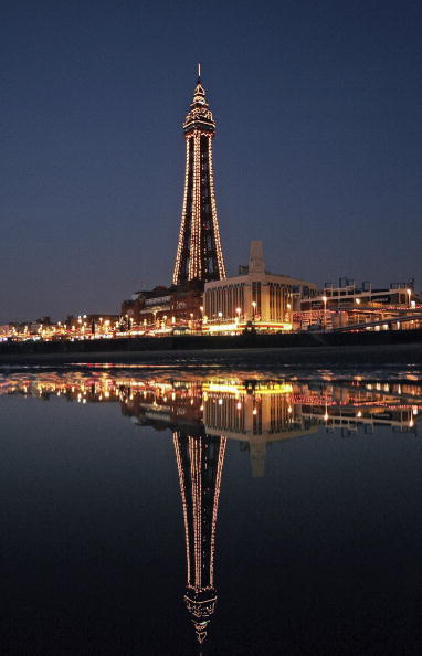 Illuminated「Blackpool At Night」:写真・画像(16)[壁紙.com]
