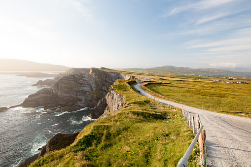 Ring of Kerry「The famous Kerry Cliffs near Portmagee, Ring of Kerry, Ireland」:スマホ壁紙(8)