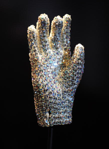 Glove「Michael Jackson: The Official Exhibition - Press Day」:写真・画像(0)[壁紙.com]