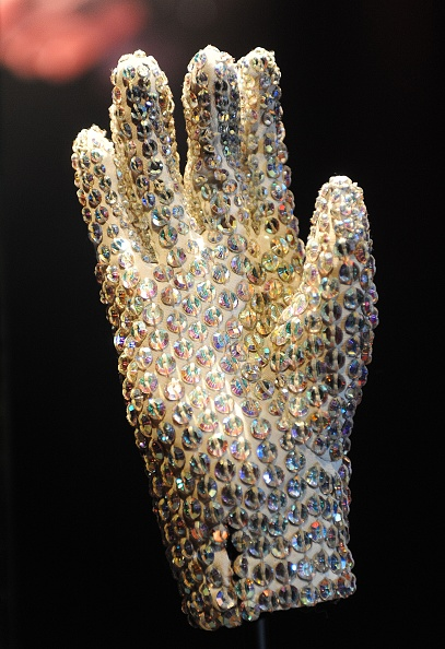 Glove「Michael Jackson: The Official Exhibition - Press Day」:写真・画像(4)[壁紙.com]