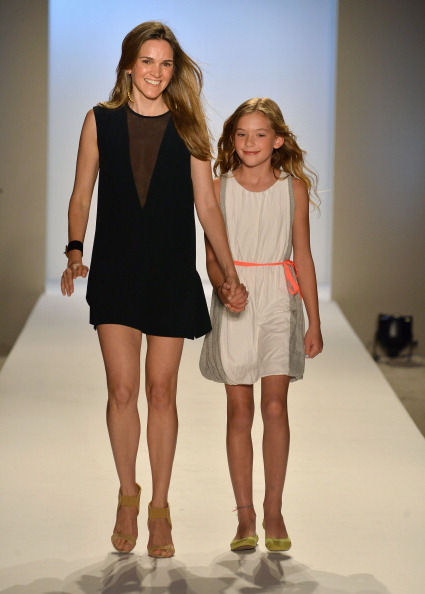 Two-Toned Dress「ViX Paula Hermanny At Mercedes-Benz Fashion Week Swim 2014- Runway」:写真・画像(6)[壁紙.com]