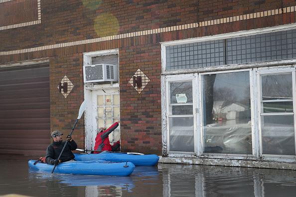 船舶「Flooding Continues To Cause Devastation Across Midwest」:写真・画像(10)[壁紙.com]