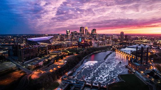 Minnesota「Minneapolis Skyline at Dusk」:スマホ壁紙(9)