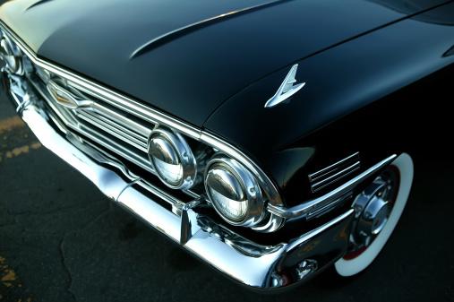 Restoring「retro black car」:スマホ壁紙(8)