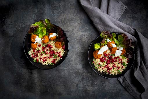 Bulgur Wheat「Bowls of†falafel†with lettuce, yogurt, pomegranate seeds, parsley, mint and Tabbouleh salad」:スマホ壁紙(5)
