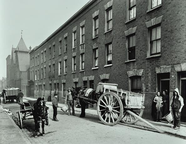 1900-1909「Dustmen And Dust Cart In Beckett Street, Camberwell, London, 1903」:写真・画像(9)[壁紙.com]