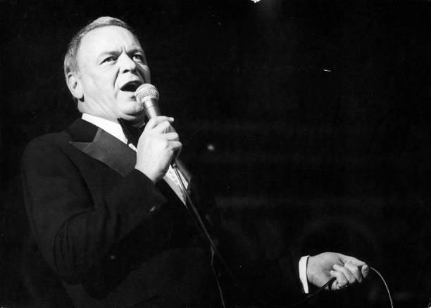 Sinatra On Tour:ニュース(壁紙.com)