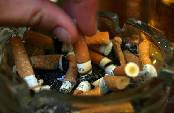 Cigarette「Smoking Ban Comes Into Effect In England」:写真・画像(10)[壁紙.com]