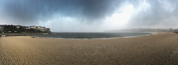 Panoramic「Tornado Warning Issued As Thunderstorm Hits Sydney」:写真・画像(19)[壁紙.com]