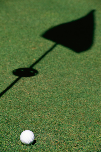 Putting - Golf「Golf ball on green」:スマホ壁紙(14)