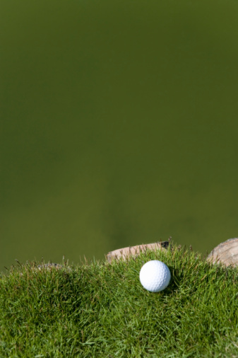 Northern Mariana Islands「Golf ball on grass, beside the pond, copy space, Saipan, USA 」:スマホ壁紙(6)