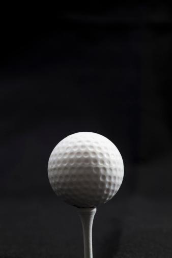 Golf Ball「Golf Ball on Tee」:スマホ壁紙(11)