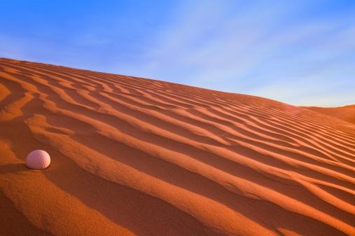 Sand Trap「Golf Ball on Sand Dune Great Sand hills Sceptre Saskatchewan Canada」:スマホ壁紙(2)