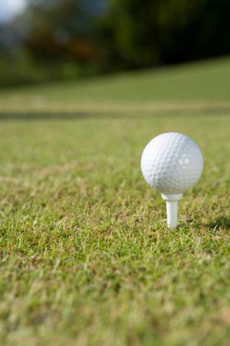 Northern Mariana Islands「Golf ball on grass, Saipan, USA 」:スマホ壁紙(9)