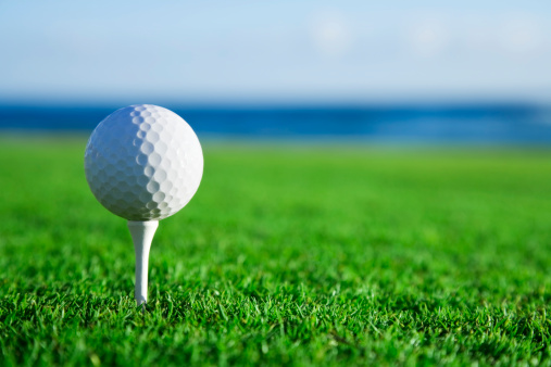 Green - Golf Course「Golf Ball on Tee with Ocean View」:スマホ壁紙(18)
