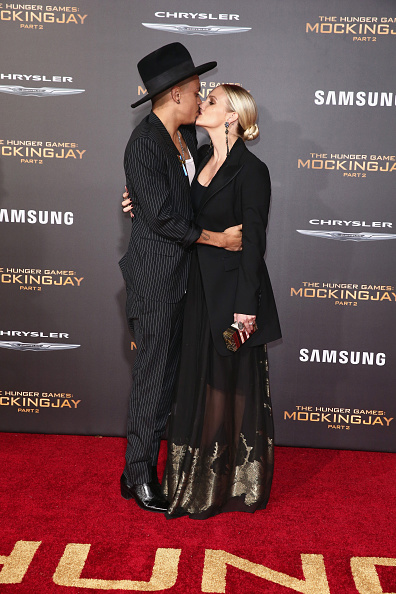 Ashlee Simpson「Premiere Of Lionsgate's 'The Hunger Games: Mockingjay - Part 2' - Arrivals」:写真・画像(6)[壁紙.com]