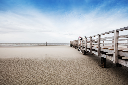St「Beach of St. Peter-Ording in Germany with pile dwelling」:スマホ壁紙(16)