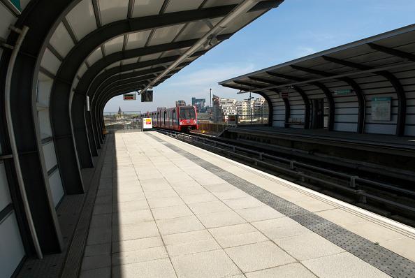 Empty「Pontoon Dock DLR station, East London, UK」:写真・画像(16)[壁紙.com]