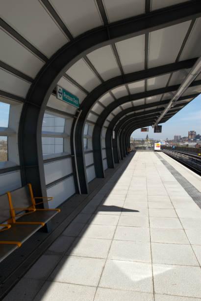 Pontoon Dock DLR station, East London, UK:ニュース(壁紙.com)