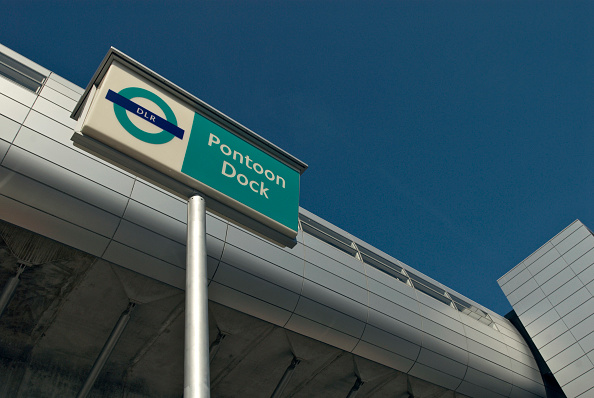 Finance and Economy「Pontoon Dock DLR station, East London, UK」:写真・画像(14)[壁紙.com]