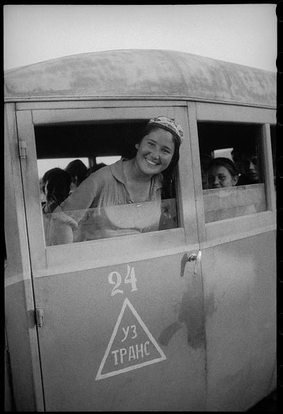Skull Cap「Girl On The Bus」:写真・画像(12)[壁紙.com]