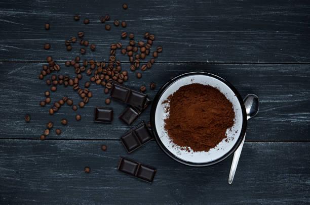 Cocoa powder with chocolate:スマホ壁紙(壁紙.com)