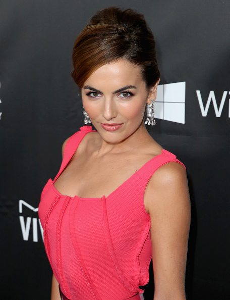 Camilla Belle「FIJI Water At amfAR's Inspiration LA Gala」:写真・画像(15)[壁紙.com]