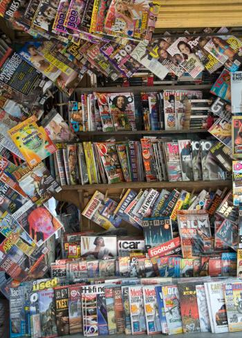Choice「Magazine stand」:スマホ壁紙(13)