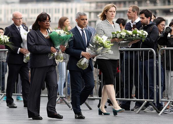 Shadow「Vigils Are Held For The Victims Of The London Bridge Terror Attacks」:写真・画像(17)[壁紙.com]
