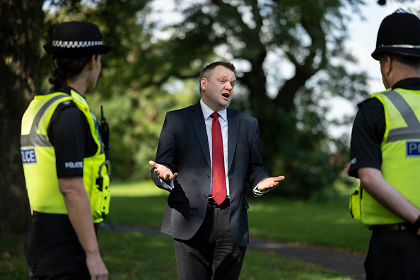 The Knife「Labour Shadow Home Secretary Accompanies Coventry Police On Knife Sweep」:写真・画像(11)[壁紙.com]