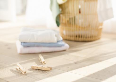 タオル「Laundry and clothespins」:スマホ壁紙(18)