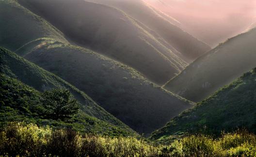 Big Sur「Morning mist between hills」:スマホ壁紙(16)