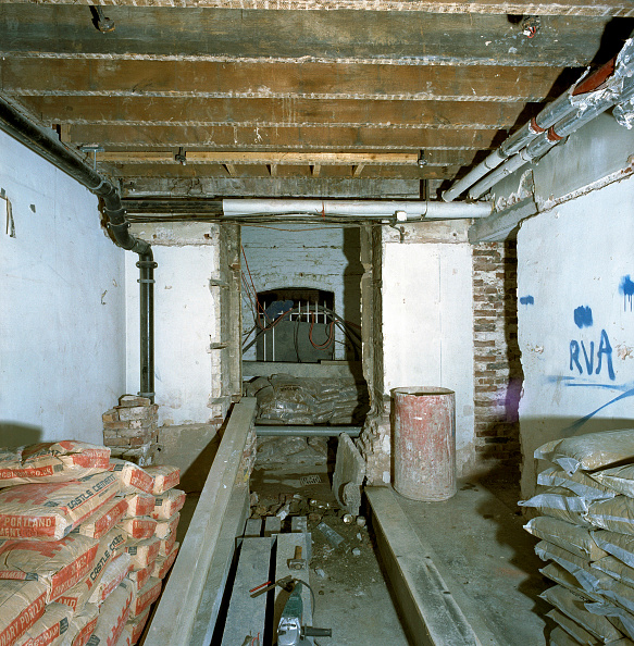 Basement「Refurbishment of a large private property in South Kensington, London」:写真・画像(3)[壁紙.com]