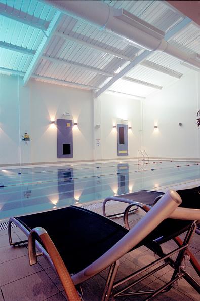 Shallow「Refurbishment of a gym club, including the swimming pool, London」:写真・画像(2)[壁紙.com]