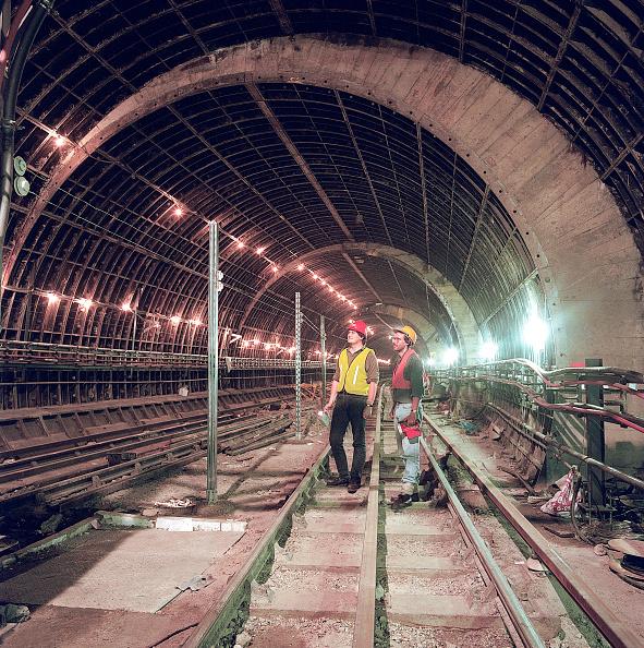 Dust「Refurbishment of Angel Underground station. London, United Kingdom.」:写真・画像(2)[壁紙.com]