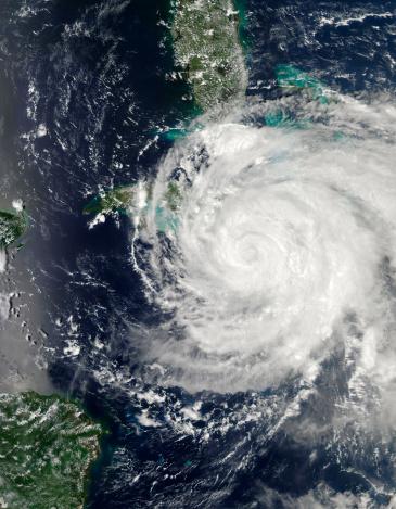 Hurricane Ike「September 8, 2008 - Hurricane Ike over Cuba, Jamaica, and the Bahamas at 19:05 UTC.」:スマホ壁紙(11)