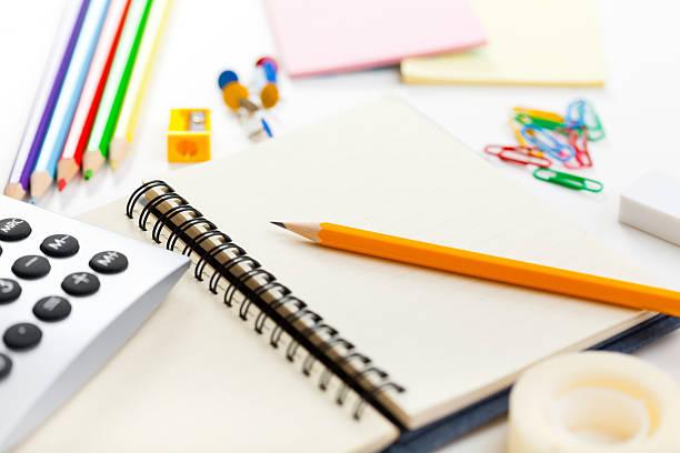 Blank notebook and office or school supplies:スマホ壁紙(壁紙.com)