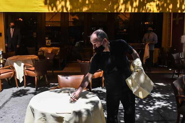 Cipriani - Manhattan「New York City Enters Phase II Reopening As Some Retail And Restaurants Open」:写真・画像(4)[壁紙.com]