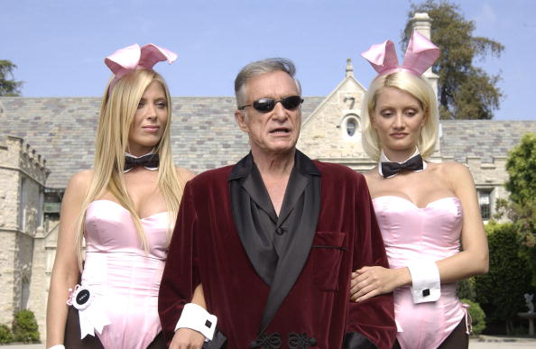 Bathrobe「Hugh Hefner & Bob Burnquist Film X Games IX Commercial」:写真・画像(0)[壁紙.com]