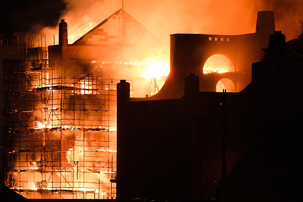 Glasgow「Glasgow School Of Art Building On Fire For The Second Time」:写真・画像(2)[壁紙.com]