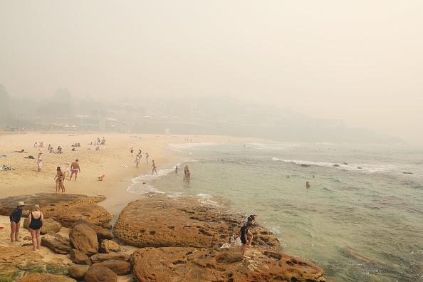 Sydney「Smoke Haze Over Sydney As Fire Danger Risk Heightens」:写真・画像(7)[壁紙.com]