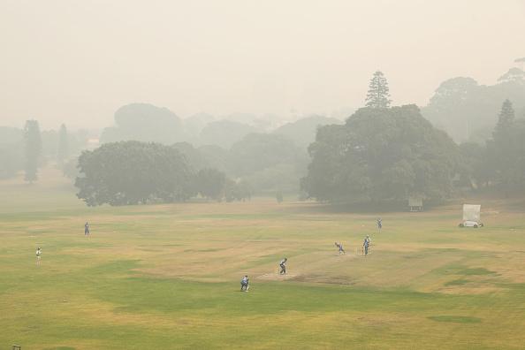 Mark Kolbe「Smoke Haze Over Sydney As Fire Danger Risk Heightens」:写真・画像(5)[壁紙.com]
