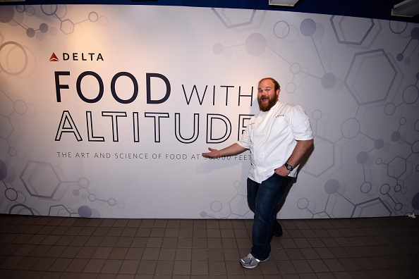 Sponsor「Delta Presents Food With Altitude Featuring Michael Chiarello, Michelle Bernstein, Linton Hopkins, Andrea Robinson And Jean-Paul Bourgeois - Food Network New York City Wine & Food Festival Presented By FOOD & WINE」:写真・画像(14)[壁紙.com]